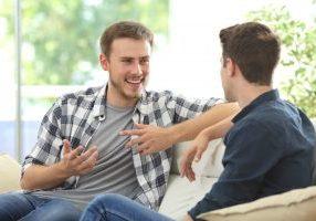 two friends talking kratom